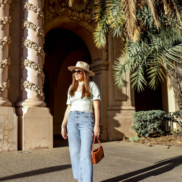 18 Best Straight Leg Jeans and How to Style Them