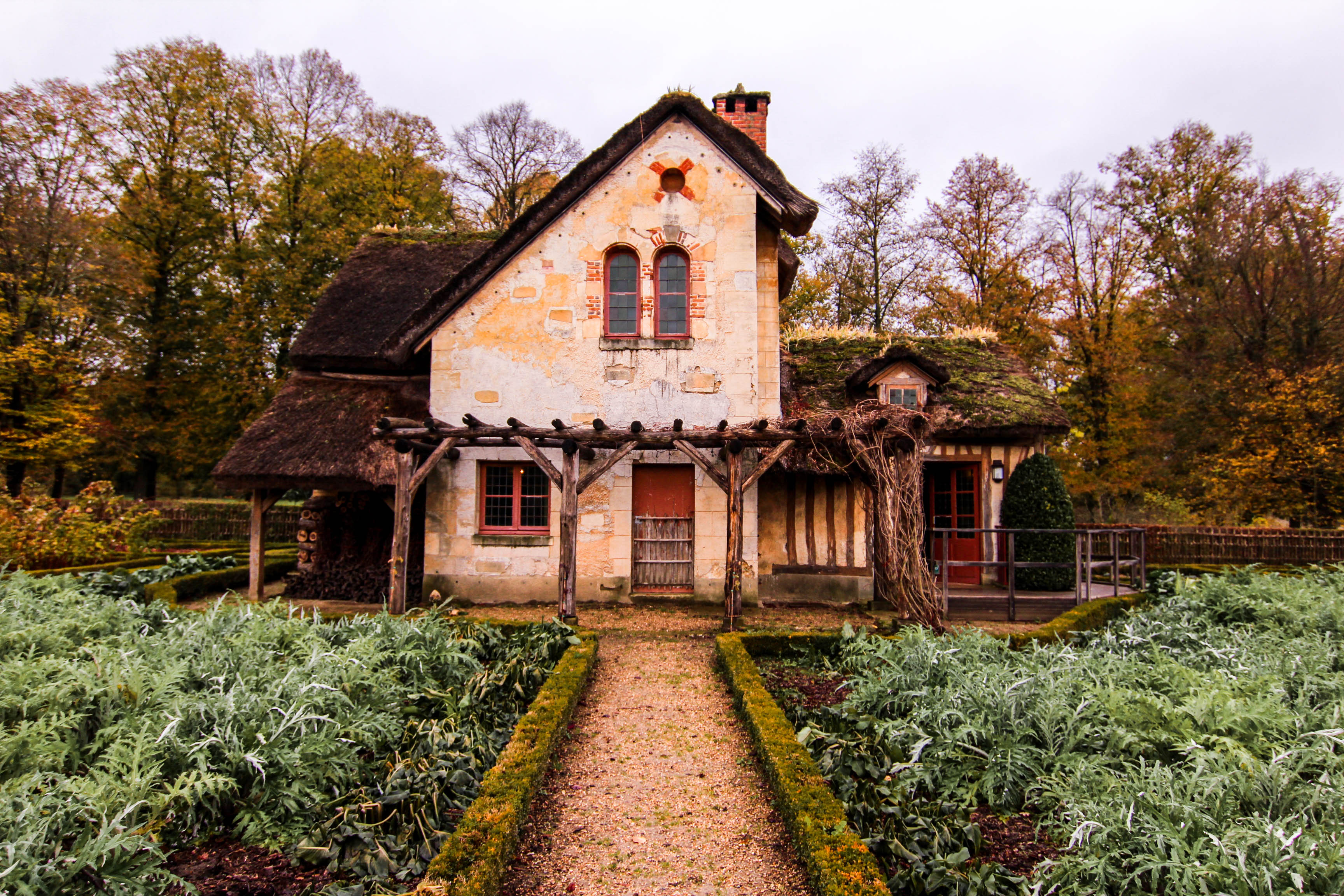the queens hamlet palace of versailles