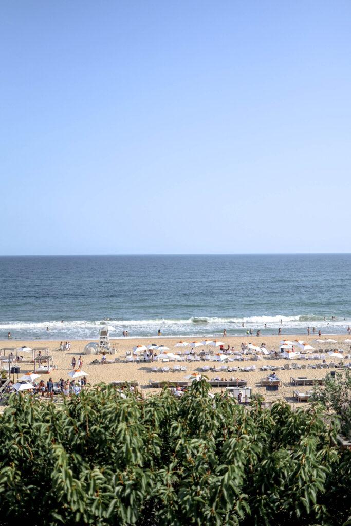 gurneys beach in the summer in montauk